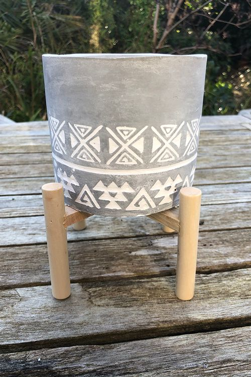 12Cm Aztec Embossed Concrete Candle With Stand Aztec  OL0131