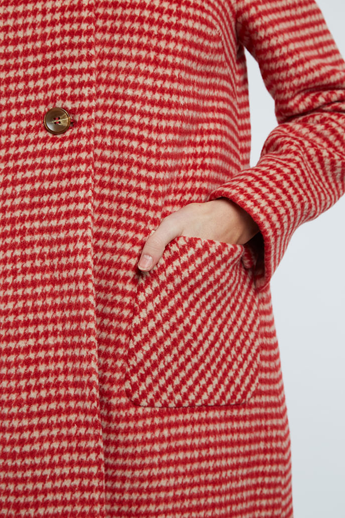 DRYDEN-DOGSTOOTH-COAT-RED_4